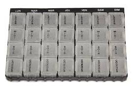 Préparation des doses à administrer (pilulier)